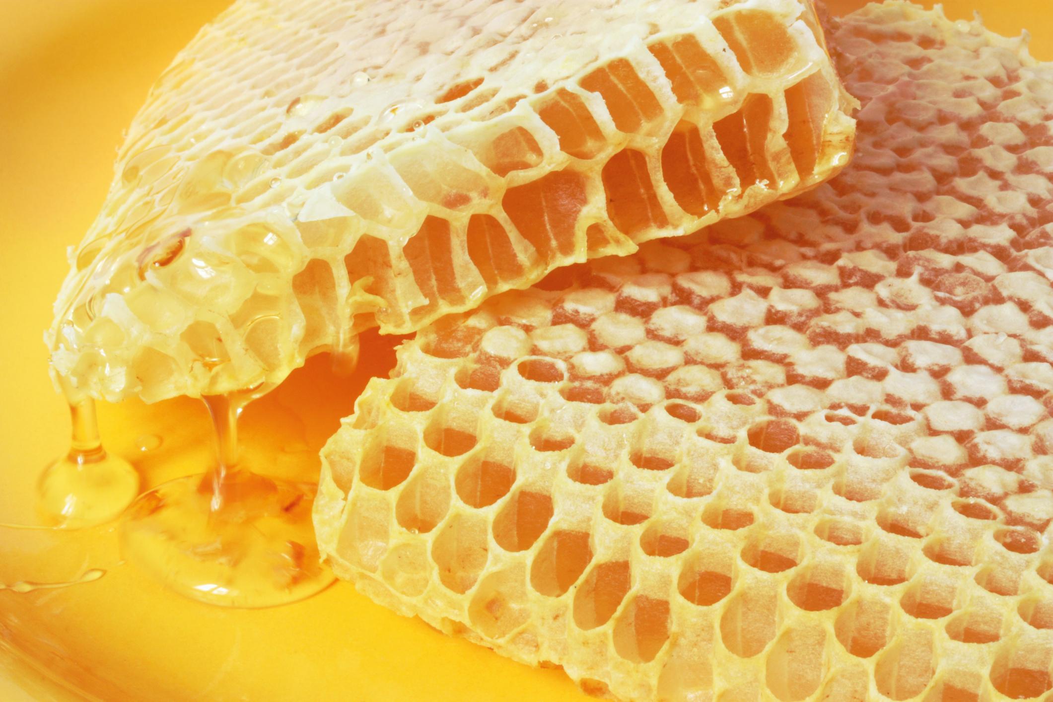 Соты с медом польза.  Мед при язве желудка и двенадцатиперстной кишки.