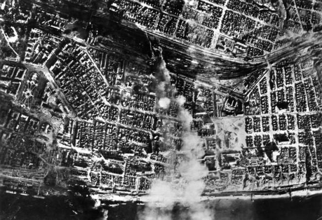 http://russian7.ru/wp-content/uploads/2014/03/Bundesarchiv_Bild_183-B22081_Russland_Kampf_um_Stalingrad_Luftangriff-663x452.jpg