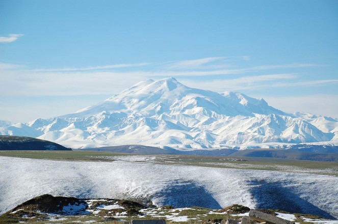 1024px-Mount_Elbrus_May_2008