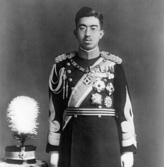 http://russian7.ru/wp-content/uploads/2014/04/Hirohito_in_dress_uniform-320x326.jpg