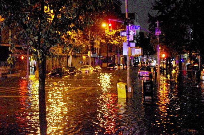 http://russian7.ru/wp-content/uploads/2014/04/Hurricane_Sandy_Flooding_Avenue_C_2012-663x440.jpg