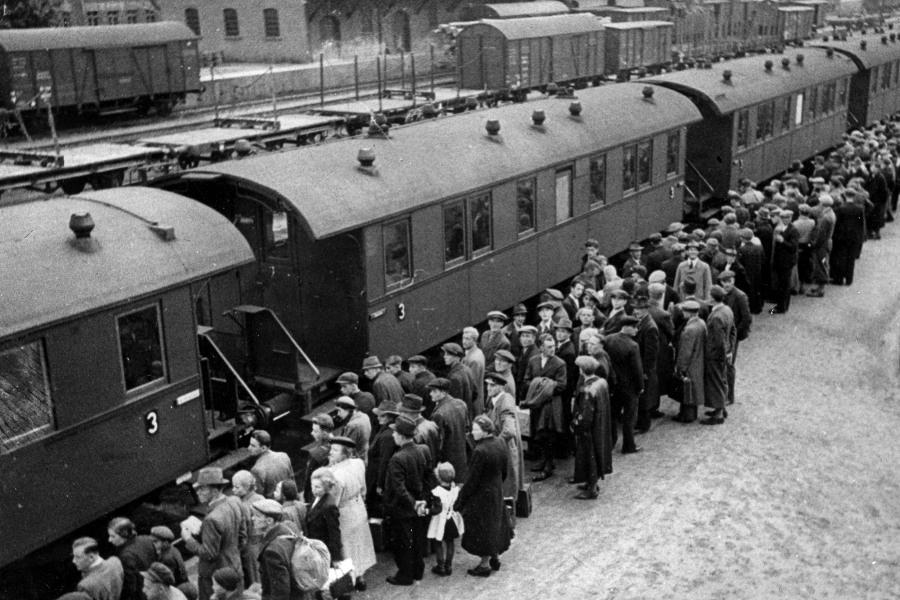 Толпа немцев кастинг 19 фотография