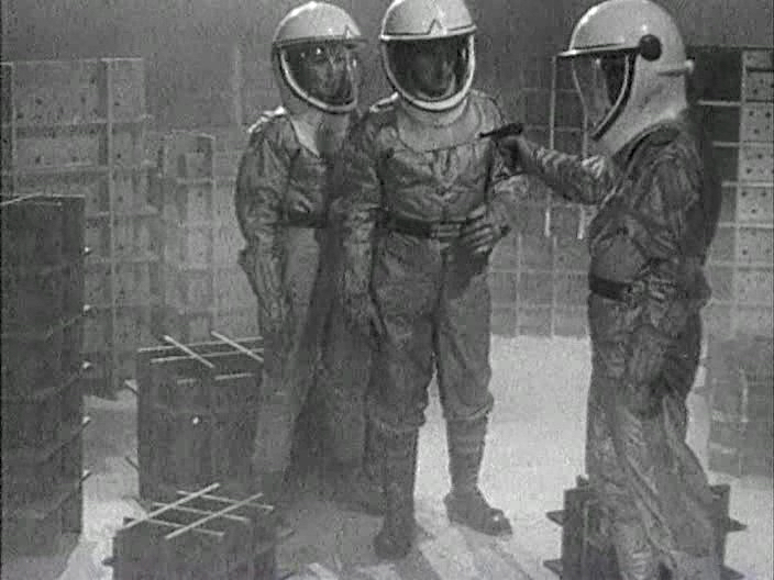 """Кадр из фильма """"Продавец воздуха"""", 1967 год"""