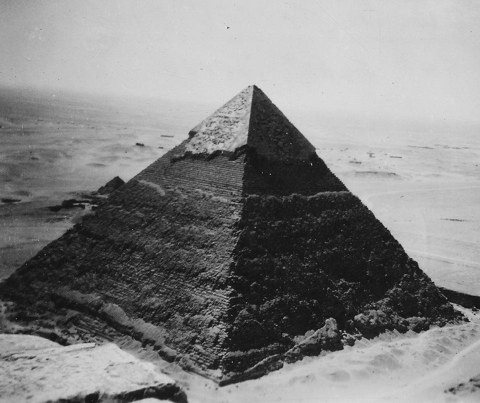 Зачем строили пирамиды (8 фото)