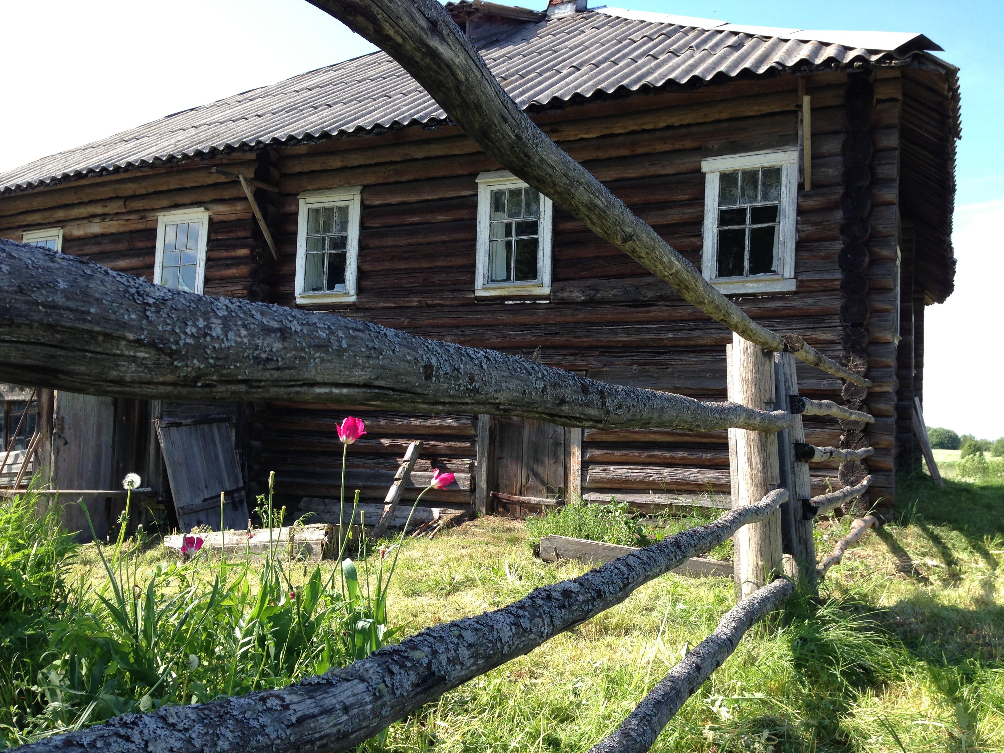 Дом в деревне Кургеницы