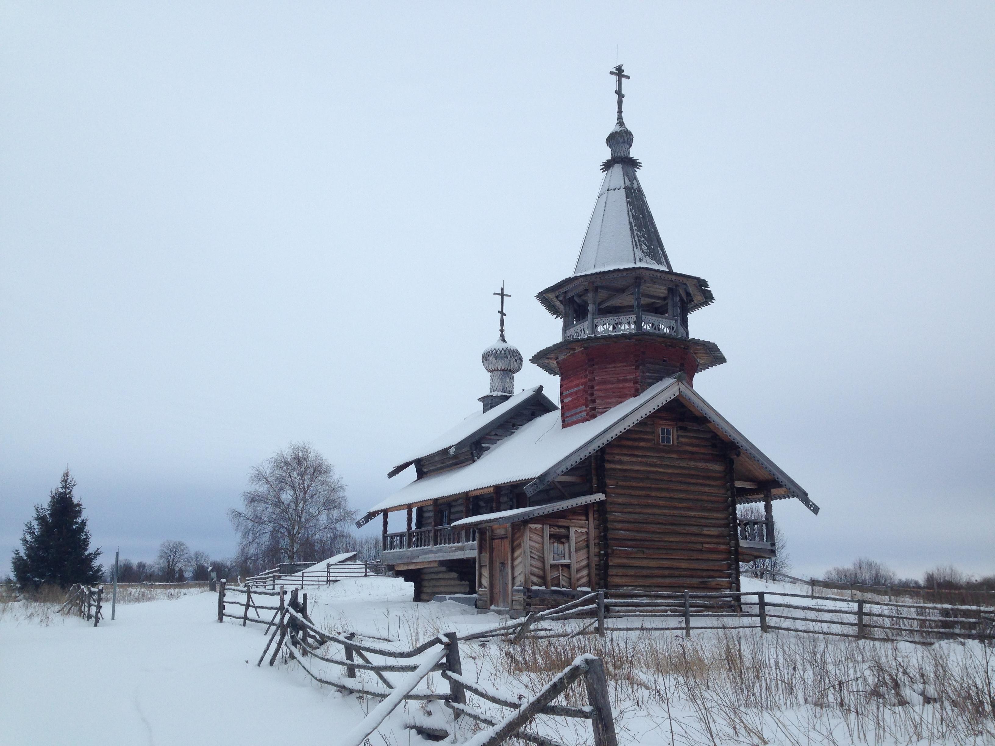 Часовня Петра и Павла в деревне Насоновщины