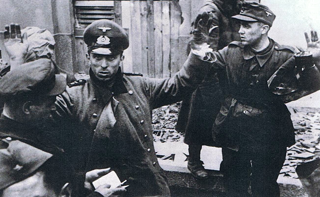 http://russian7.ru/wp-content/uploads/2015/03/germaniya-vremya-semki-aprel-may-1945.jpg