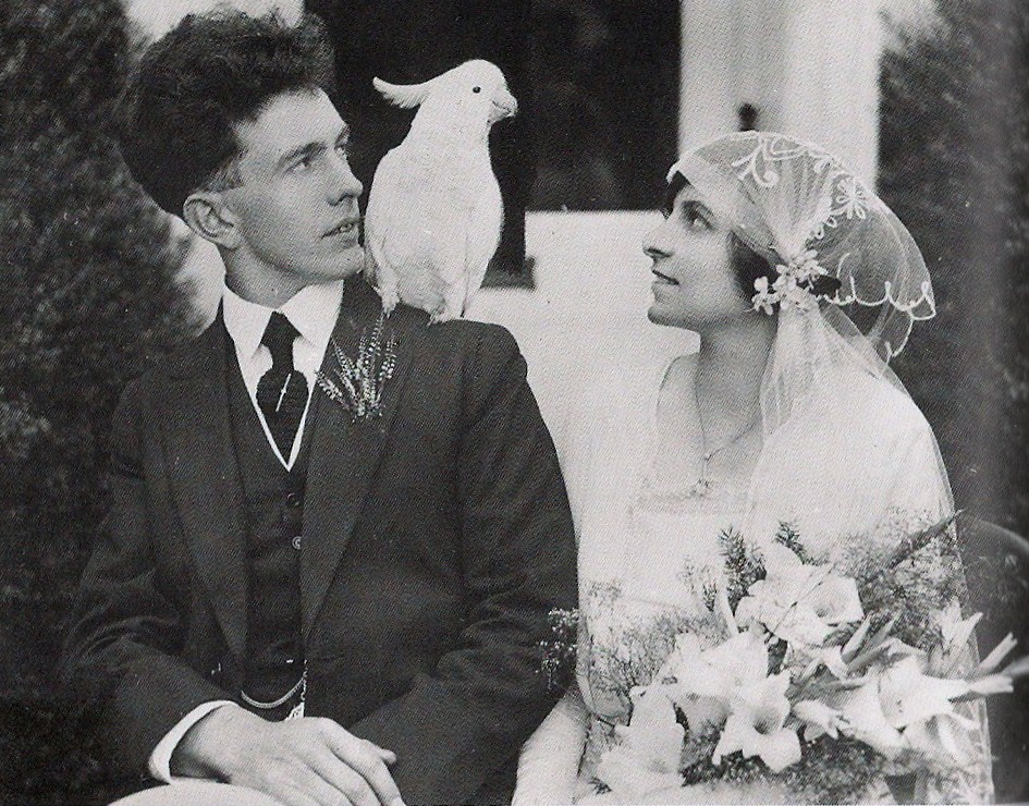vintage-wedding-with-parrot.jpg