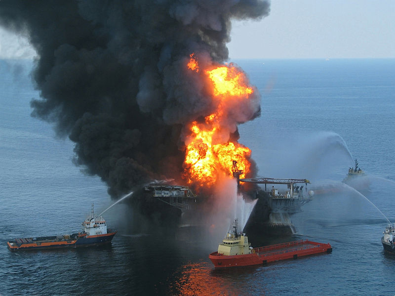 http://russian7.ru/wp-content/uploads/2015/06/Deepwater_Horizon_offshore_drilling_unit_on_fire_2010.jpg