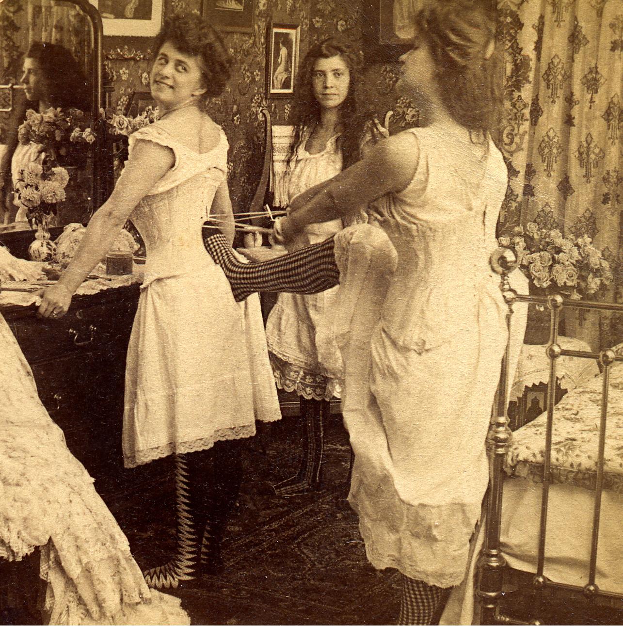 Каких жертв требовало от женщин понятие красоты в разное время и разных странах