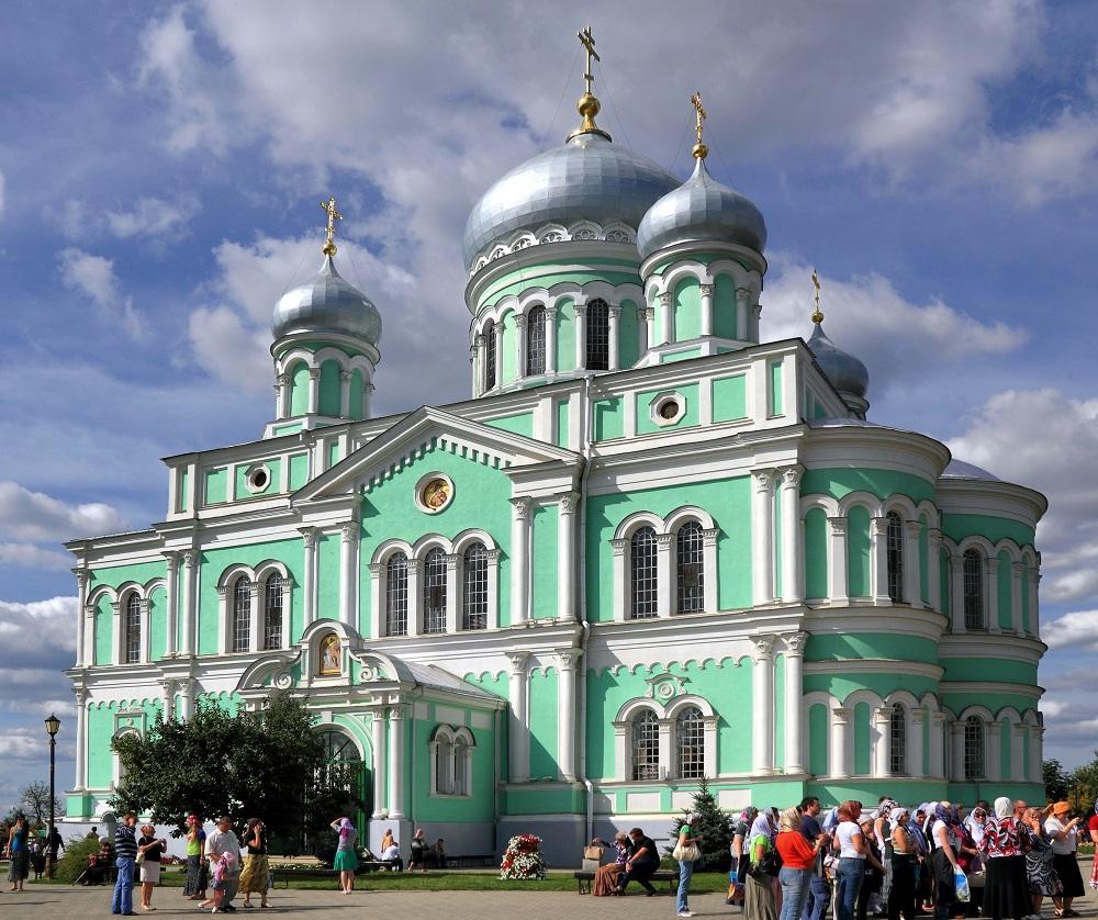 Diveyevo_Serafimo-Diveevsky_Monastery_The_Trinity_Cathedral_IMG_9603