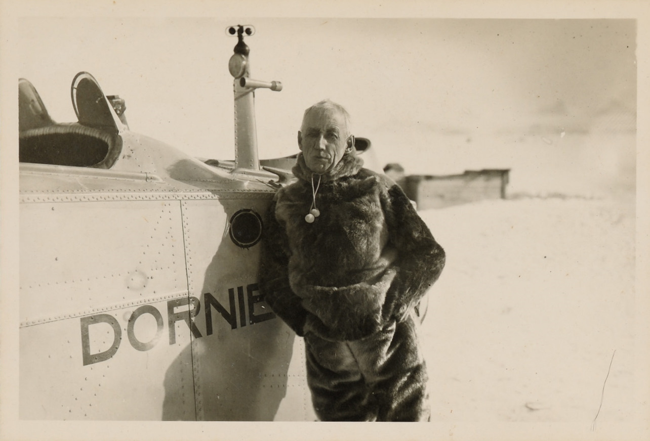 Roald_Amundsen_Svalbard_1925