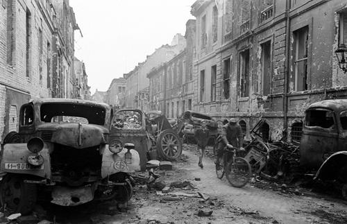 Oberwallstrasse-Central-Berlin-1945.