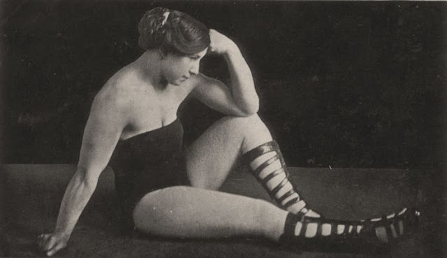 Beautiful Muscular Women in the early 1900s (5)