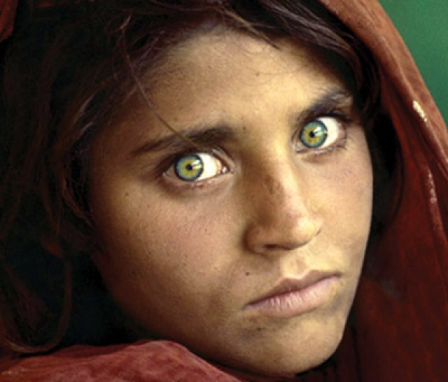 People With Violet Eyes Natural