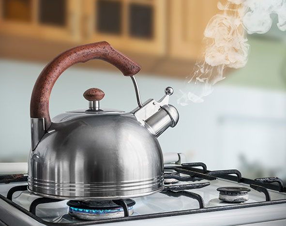 http://russian7.ru/wp-content/uploads/2018/01/Kettle-Boiling-On-A-Gas-Stove.jpg