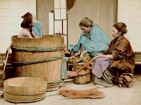 Интимный просмотр женщин в бане оргазмы