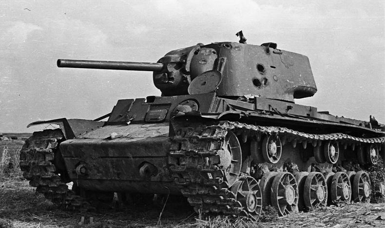 КВ-1 против дивизии Гитлера: уникальный бой Великой Отечественной