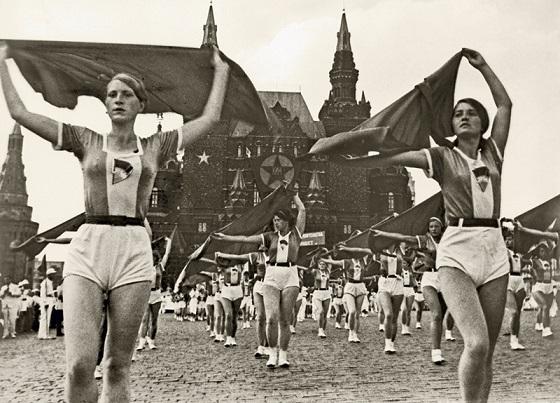 """Image result for фото демонстрация спортсменов сталин"""""""