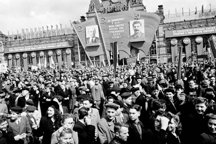 """Image result for фото сталинская демонстрация на красной площади"""""""