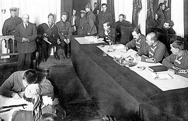 «Фейк-новости» в СССР: зачем НКВД создал бюро дезинформации