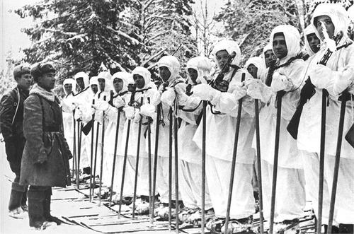 «Белые демоны»: почему немцы так боялись советских лыжников