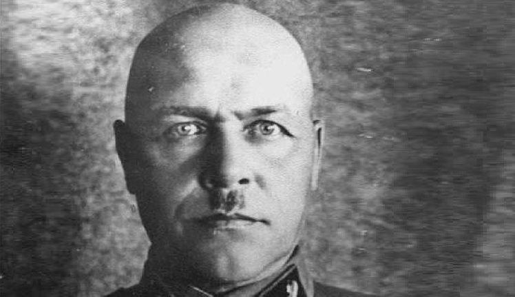 Кого Сталин сделал «козлом отпущения» за разгром Западного фронта!?