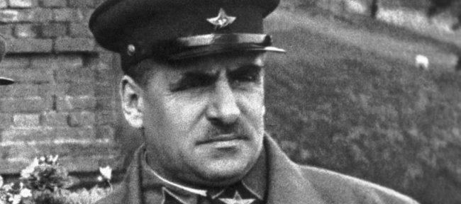Василий Блюхер: какие революционные подвиги приписал себе лучший друг предателя Власова