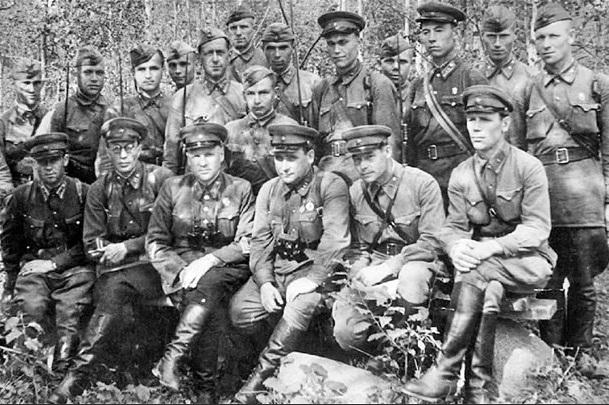 Армия НКВД перед Великой Отечественной: о чём писал предатель Резун