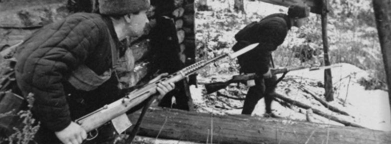 Почему в 1942 году советские красноармейцы сменили шинели на ватники